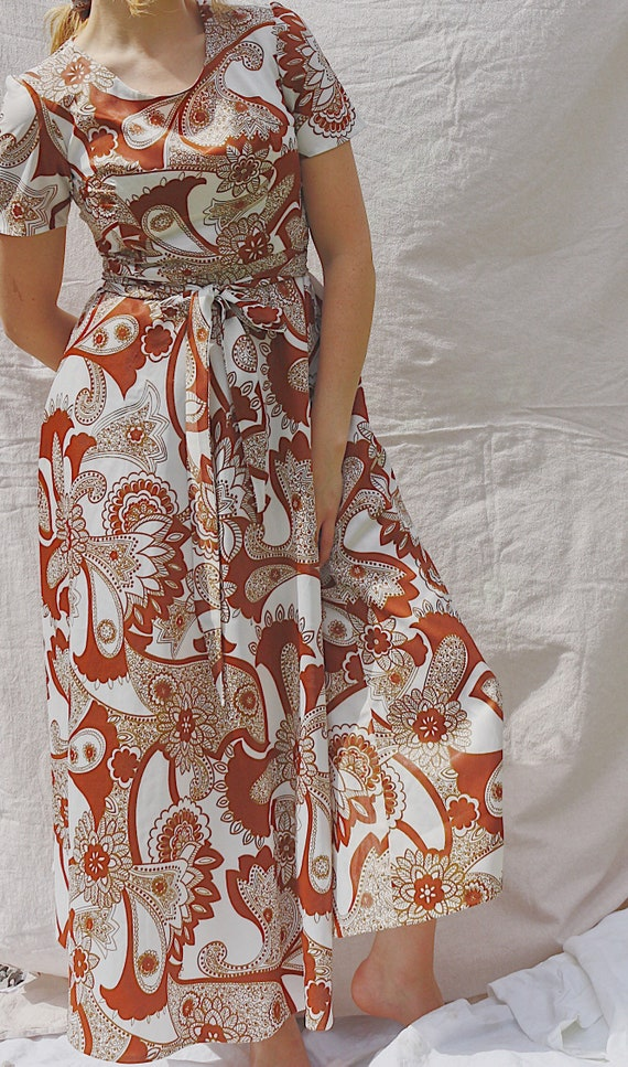 Vintage 1970's paisley maxi dress with full skirt