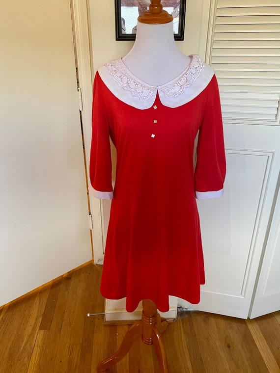 Vintage Peter Pan collar dress