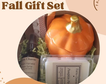 Tickle All your senses with this Fall Collection Box! We are featuring 3 random scents from our collection to tease you with. Handmade by us