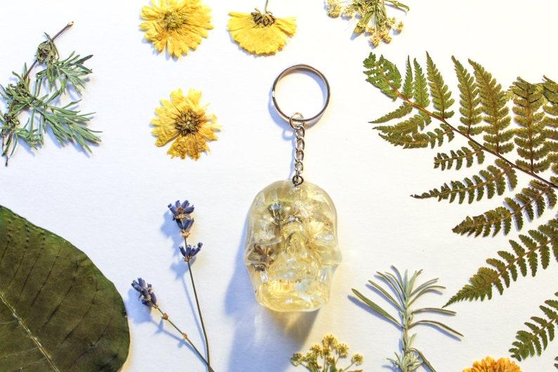 White Wildflower Skull Resin Keychain