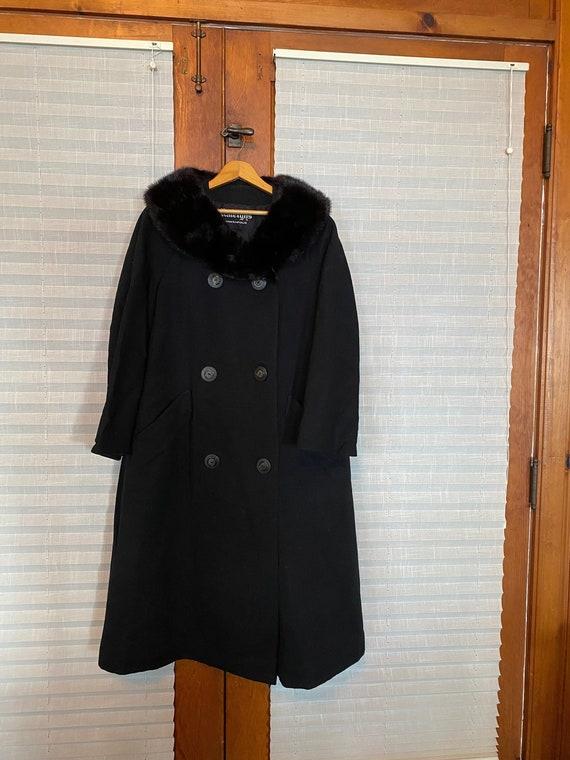 Vintage, 1950's Raliegh's of Minneapolis Black Woo