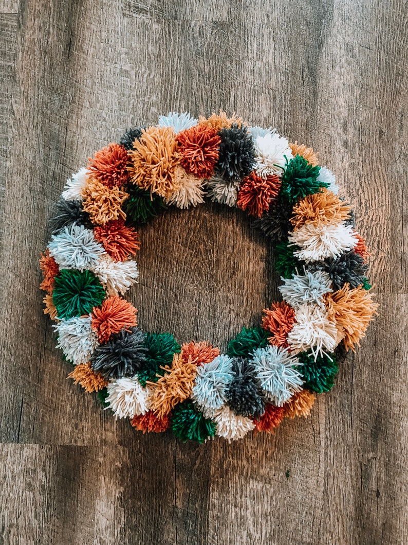 PomPom Wreath image 0