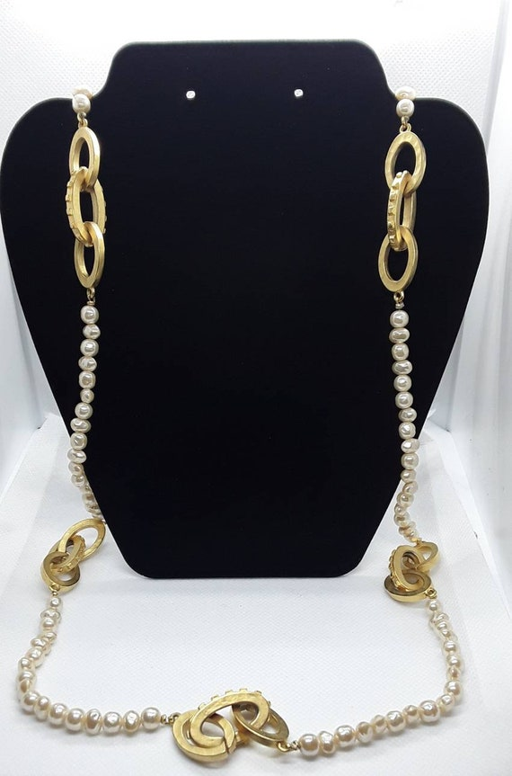 Vintage Pearl and Gold Long Necklace - image 4