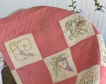 Vintage Handmade/Hand quilted/Hand stitched Embroidered Quilt