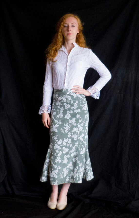 Vintage White Lace Ruffle Sleeve Fitted Blouse / S