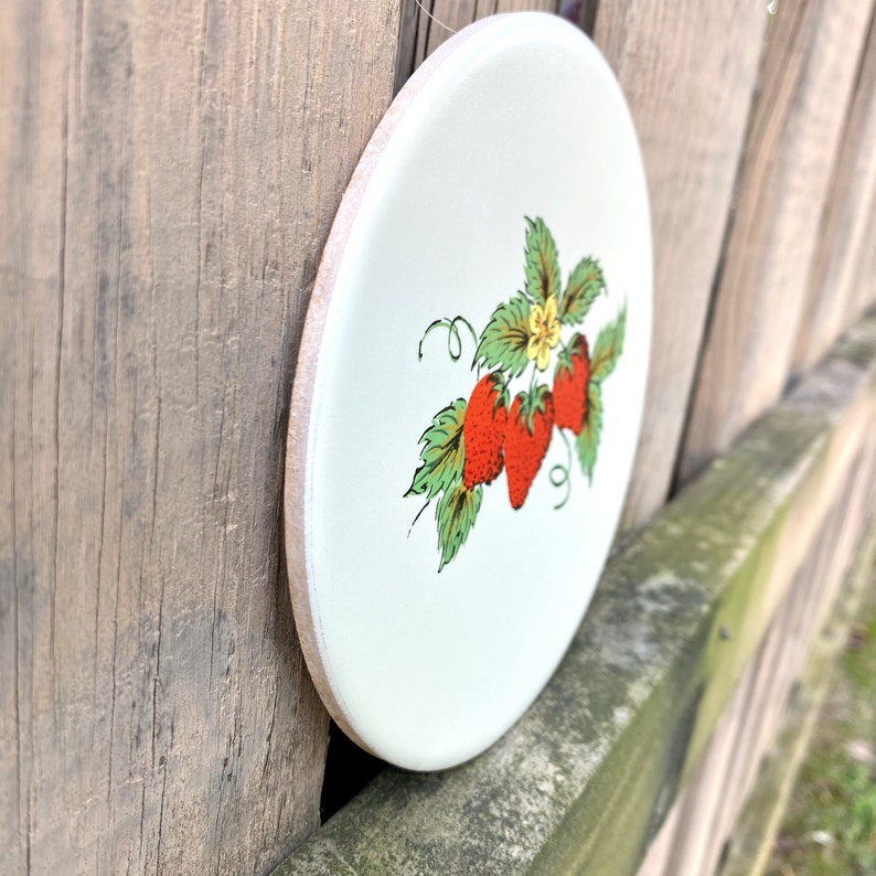 Mid-Century Round Ceramic Blooming Strawberry Tile Country Kitchen Decor By Mid-State Retro Strawberry Strawberry TrivetHot Plate