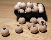 25mm wooden balls with holes (10mm) 10pc