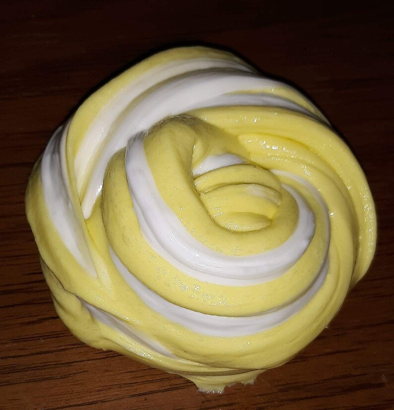 Lemon Meringue Pin Lemonade image 0