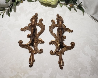 Beautiful Vintage Set Of 2 This Is A Turner Wall Accessory Hollywood Regency Style Gold Scroll Design Wall Candlestick Holder/Sconce