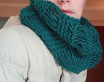Handmade scarf, crochet emerald scarf, Accessories for women and teenagers