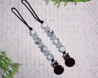 the monochrome collection - pacifier clip
