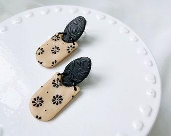 Daisy Print Small Dangle Earrings