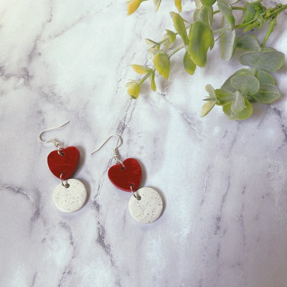 Red and White Speckle Minimalist Heart Dangle Earrings | Nickel Free