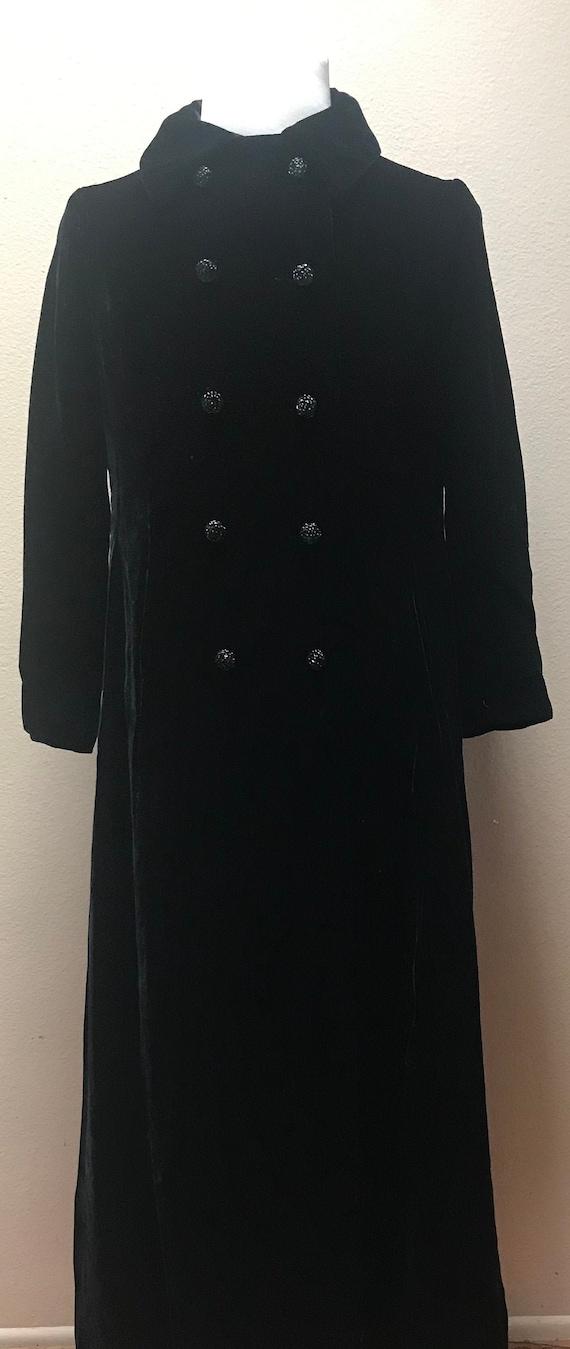 Vintage 1940's black velvet coat