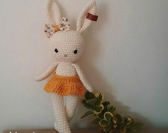 Doudou lapin au crochet – patron gratuit | Mon P\'tit Trésor | 270x340