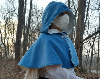 Hooded Capelet