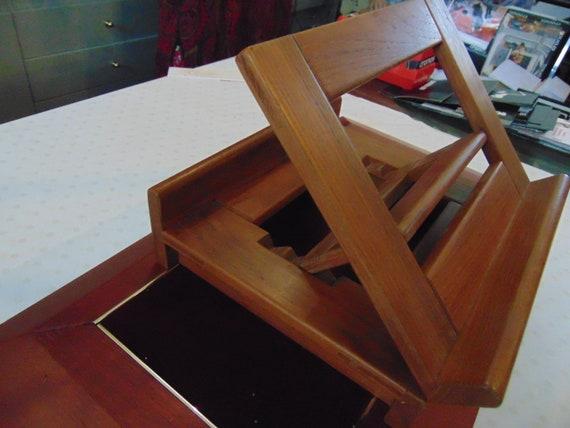 Table leceding ripdossi mature 80s oak