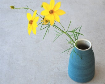 Small vase with sand structure, mini vase
