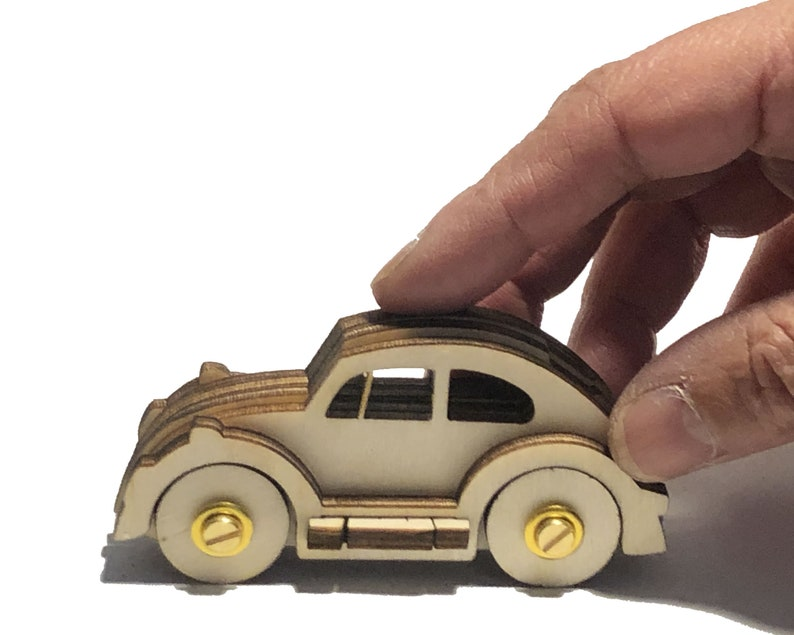 VW Beetle  25 piece toy-car assembly kit image 0