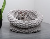 Velvety Cat Bed, Luxury Cat Basket, Modern Cat Bed, Cat furniture, Cat Cave, Trendy Pet Bed, Pretty, for large cats, big cats, small cats
