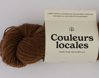 Naturally tinted wool of fingering caliber in Chococo colour
