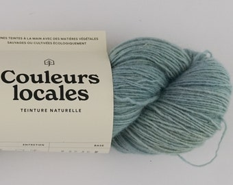 Naturally tinted wool fingering caliber in blue blue blue