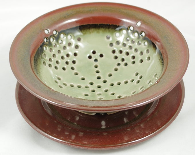 Celedon berry bowl small colander