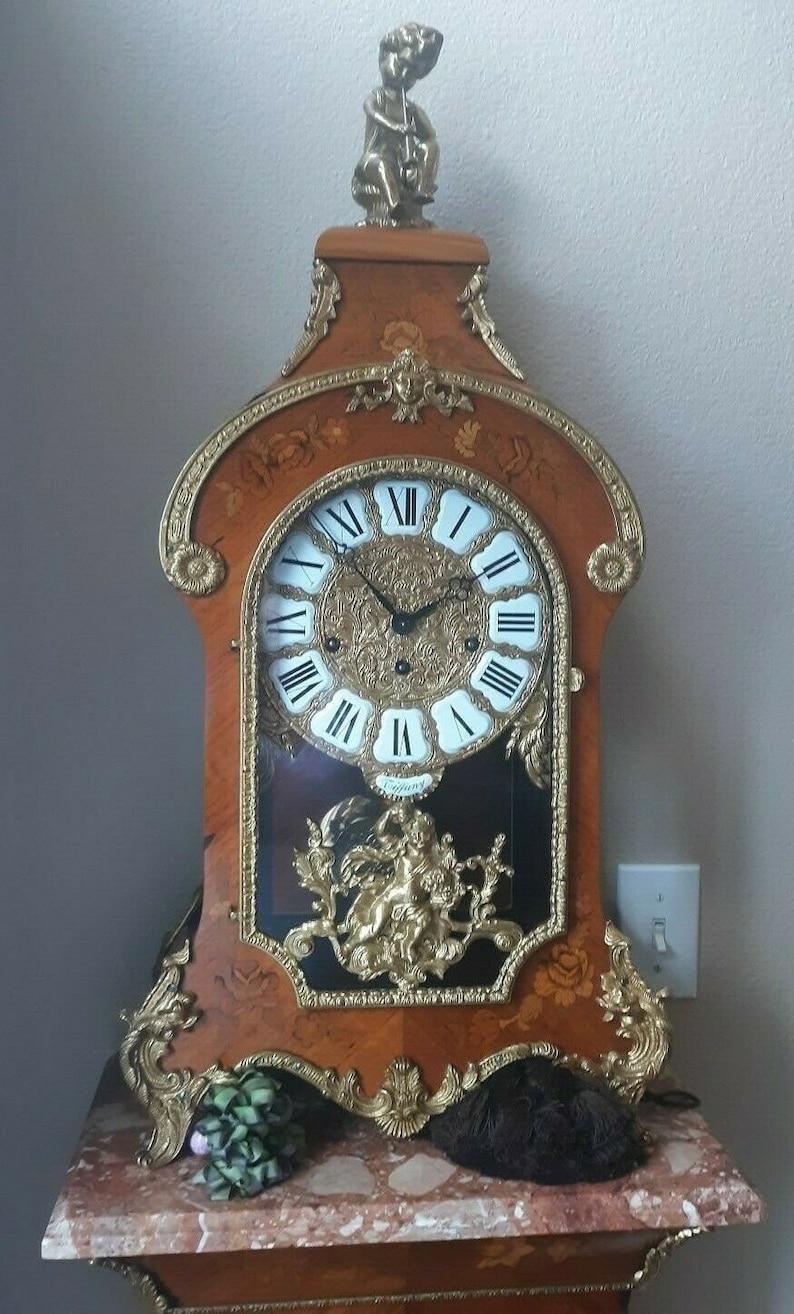 Horloge antique Tiffany Bolle avec piédestal marquetry évalué plus de 5000 en état de MENTHE pour 3500