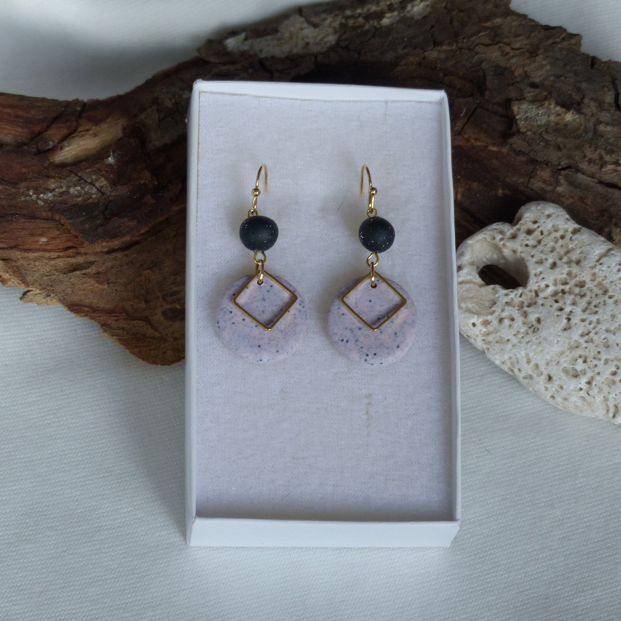 Floral pattern made of wire Hanging earrings gift for her flower in blackgold Handmade