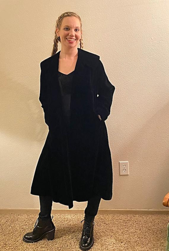 40s CITY OF PARIS San Francisco  Black Velvet Coat