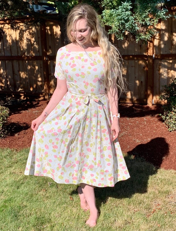 40s Cotton Homespun Day Dress, Metal side Zipper,