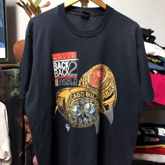 Vintage 90s Chicago Bulls T-Shirt size XL