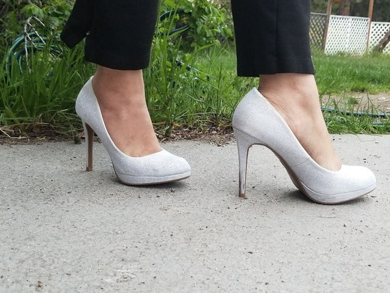 80's Glittery White Pumps