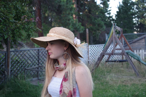 Beautiful Summer Straw Sun Hat - image 9