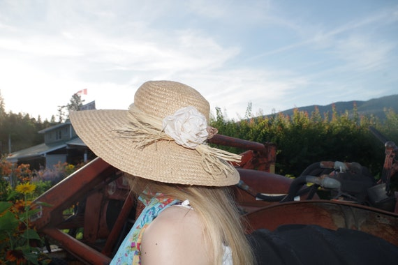 Beautiful Summer Straw Sun Hat - image 1