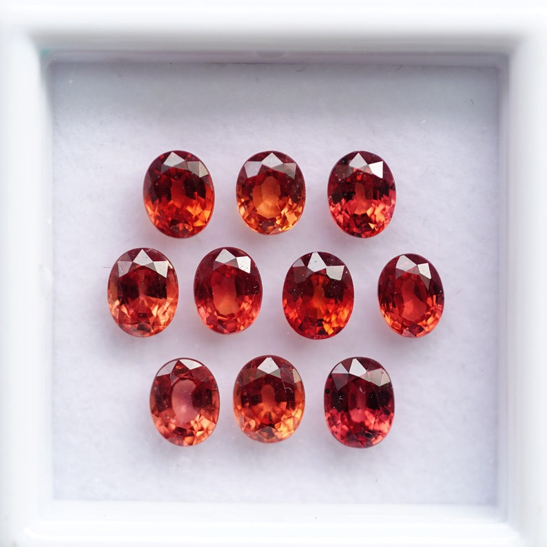 FM1111 A box of Mixed Oval Shape Orange Red  Sapphires 10 pcs 4.5X3.5 mm sapphire loose gemstones from Tanzania 3.59 cts.