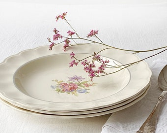 """Set of three 