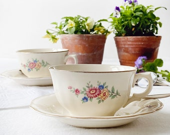 """Set of two 