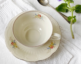 """Darling Gandma-style cup for tea or coffee 