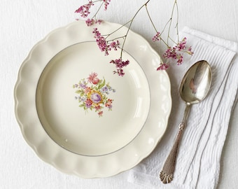 """Shabby but beautiful soup bowl with summer flower decor 