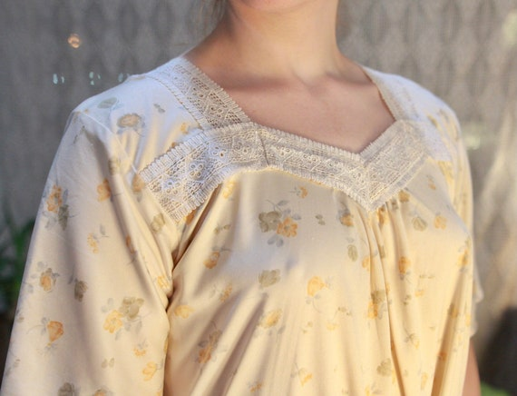 Vintage '80s Floral Nightgown