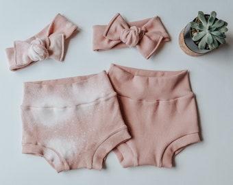 Girl Baby Organic Pink Feathers Children/'s Christmas Gift Leggings /& Headband Toddler Baby Shower Matching Gift Set Save 10/%