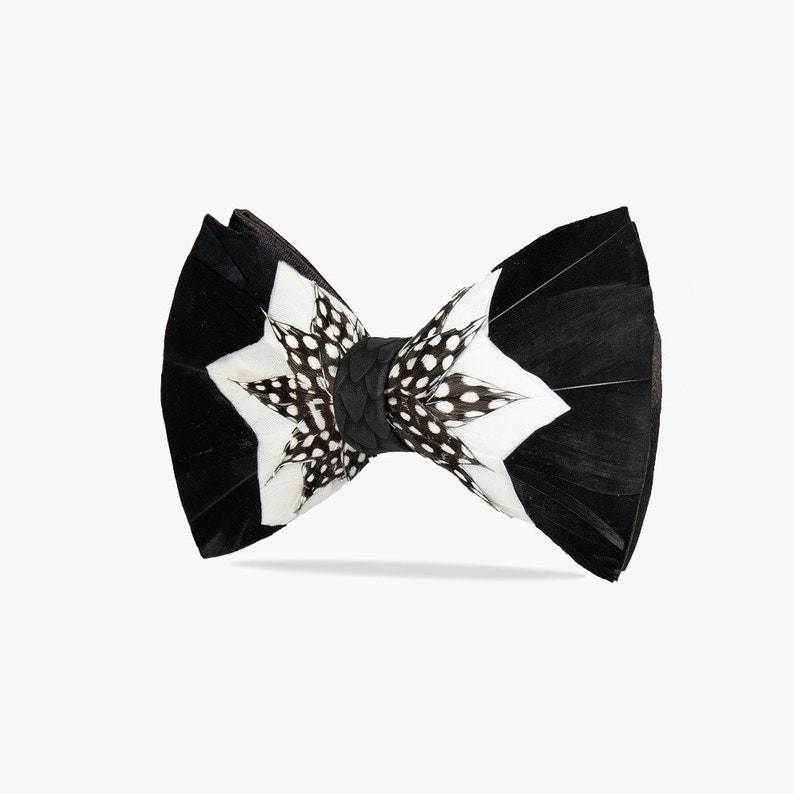 Zerowaste philosophy Gatsby: hand-made bow tie Eco friendly/& ethical. Made of natural bird feathers Elegance Unique bow tie for wedding
