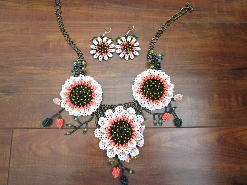 bead necklace Sunflower flower jewelry boho necklace seed bead necklace Beaded Necklace vintage necklace sunflowers necklace