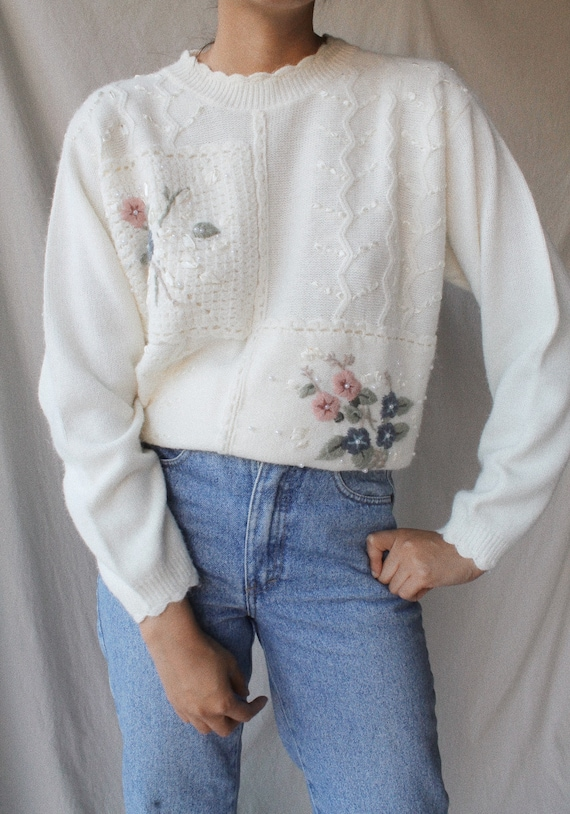 Vintage 80s Acrylic/Nylon Floral Embroidered Sweat