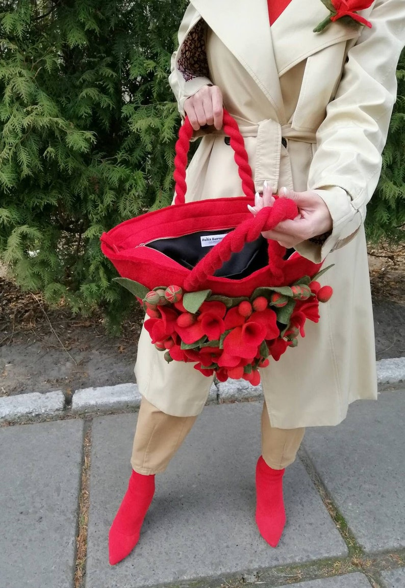 Large women/'s bag with felted flowers decor Felted hand bag Felted bag Felt flower bag Hand bag for women Flowers bag Designer bag Vegan bag