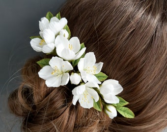 Spring wedding white apple blossom hair comb, White bridal floral hairpiece, White blooming celebration headpiece, Bridesmaid hairpiece