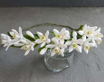 Orange blossom crown, White wedding flower tiara, Flower vine for hair, Blooming headband, Bridal headpiece, Bridesmaid flower headband