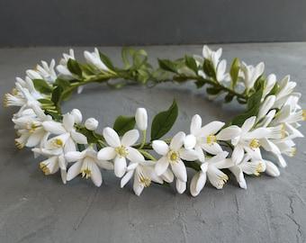 White wedding flower tiara, Orange blossom crown, Flower vine for hair, Blooming headband, Bridal headpiece, Bridesmaid flower headband