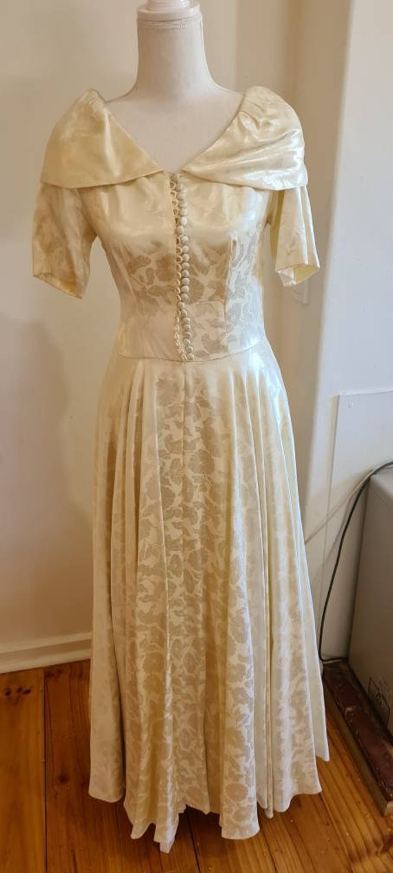 Beautiful vintage wedding dress wedding gown from